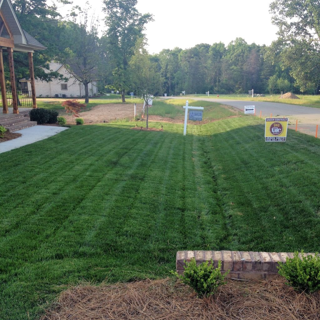 Lawn Service And Landscape: Greensboro Lawn Care & Maintenance